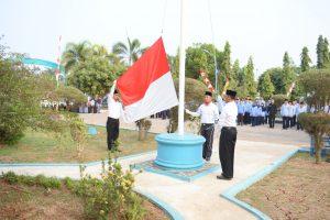 PERINGATI HUTREPUBLIK INDONESIA KE 74, BALAI RISET PEMULIAAN IKAN DAN BALAI DIKLAT APARATUR MELAKSANAKAN UPACARA BENDERA BERSAMA